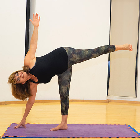 A pose that strengthens the legs, thighs and back, opens the chest and heart and improves focus and stability. The pose teaches us to find the balance between body, mind and spirit. When we practice it we feel empowerment, openness, light and love and illuminate those around us like the moon!